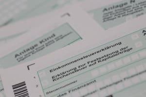 Symbolbild Steuerformular Einkommensteuererklärung